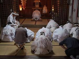 本教立教の地、富士山元祠にて着到祭