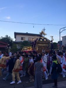 夕方には北口本宮より火祭りの本神輿が御旅所に渡御されます