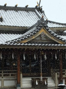 雪の太祠本殿