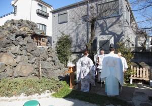 富士塚での龍王権現宮の祭事