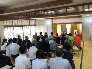 儀式殿で富士塚寄席を開席しました。