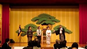 加藤崋山さまのお手配で吉原朱山さまによる吟詠歌謡が奉納されました