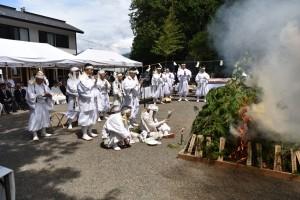 富士山元祠 境内での斎火祈祷
