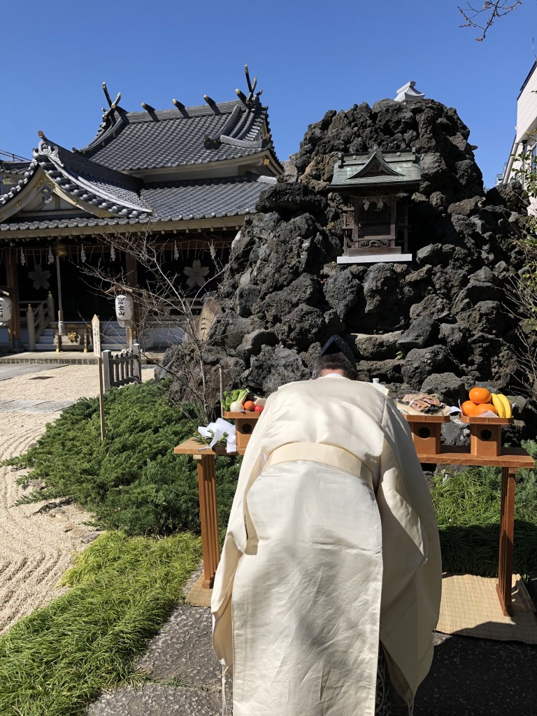 松原富士塚に鎮座の蓬莱亀ノ岩八大流神宮祭